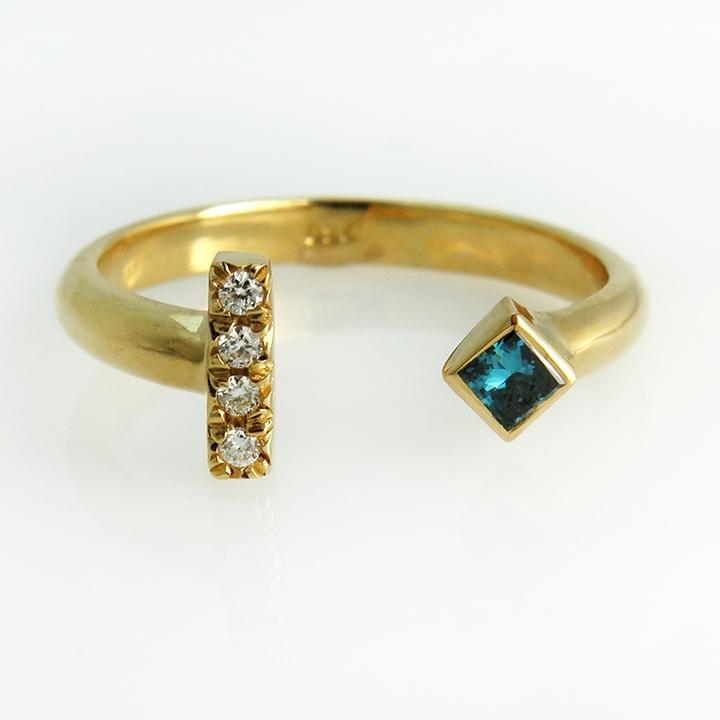 טבעת יהלום כחול