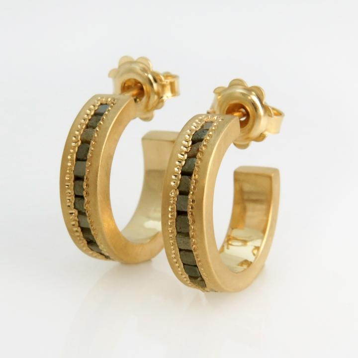 עגילי זהב 18K ויהלומים גולמים Cube
