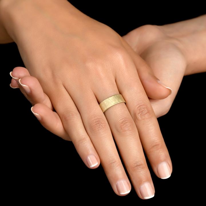 טבעת נישואים בסגנון בול עץ