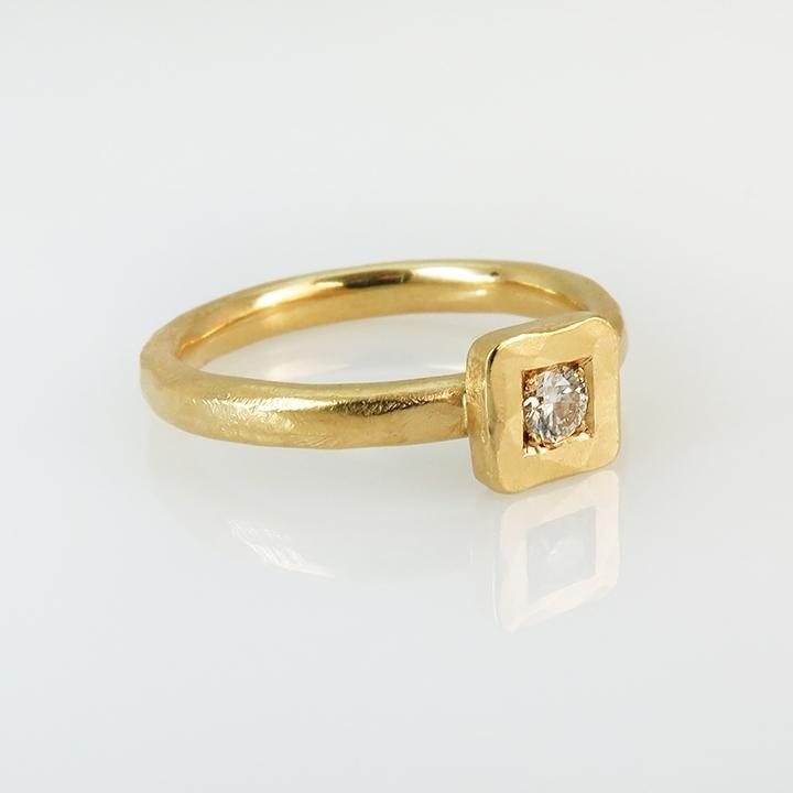טבעת מרובעת