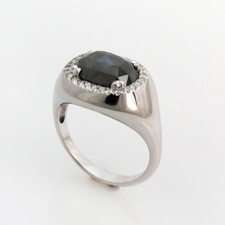 טבעת זהב לבן ויהלום אפור