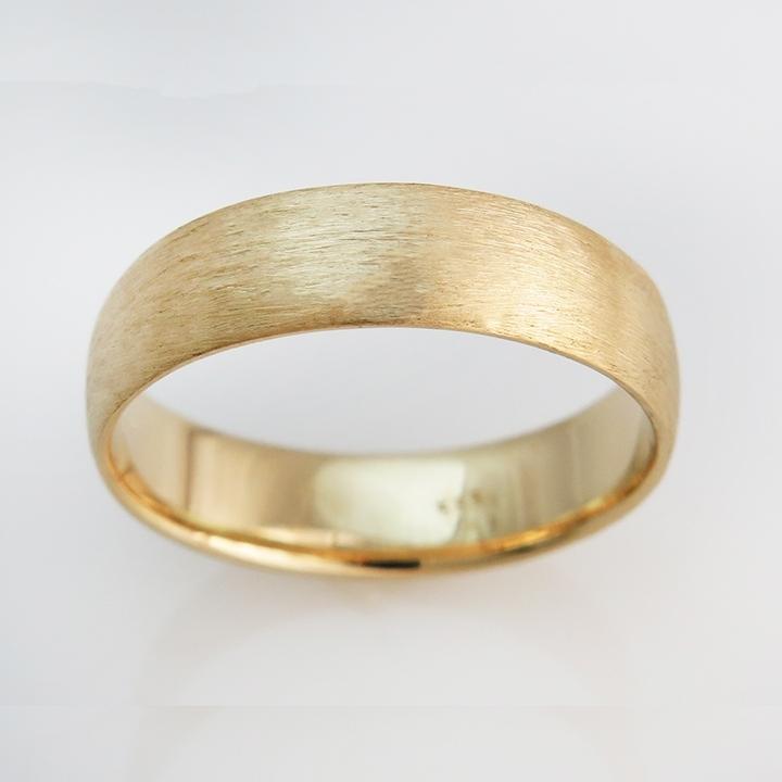 טבעת נישואים קלאסית בגימור מוברש
