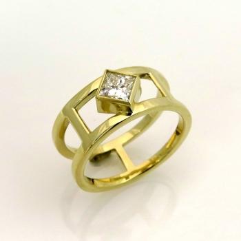 טבעת יהלום פרינסס יחודית