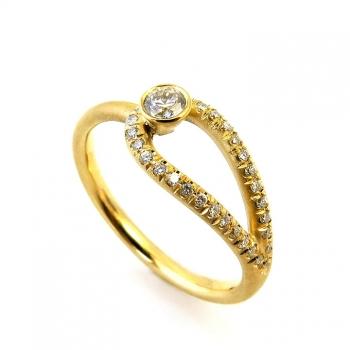 טבעת יהלום ייחודית עם סמל האין סוף