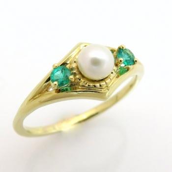 טבעת אירוסין פנינה ואמרלד