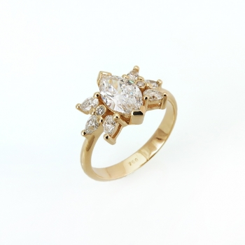 טבעת אירוסין עם יהלום מרקיזה