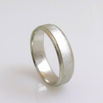 טבעת נישואין מזהב לבן